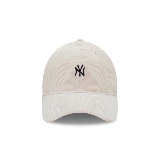 New York Yankees Corduroy  9Forty Strapback Vista frontal