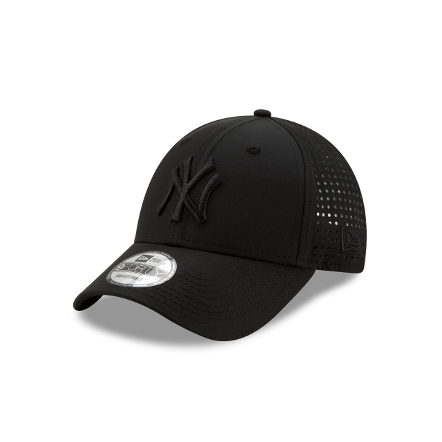 New York Yankees Feather Perf  9forty Strapback | New Era Cap