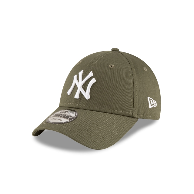 New York Yankees League Essential  9Forty Strapback