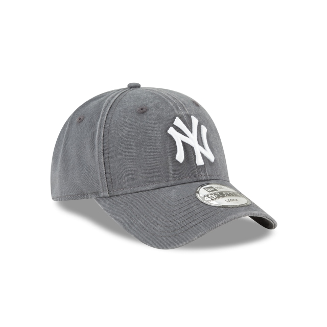 New York Yankees Core Fit 49Forty Cerrada Vista derecha tres cuartos