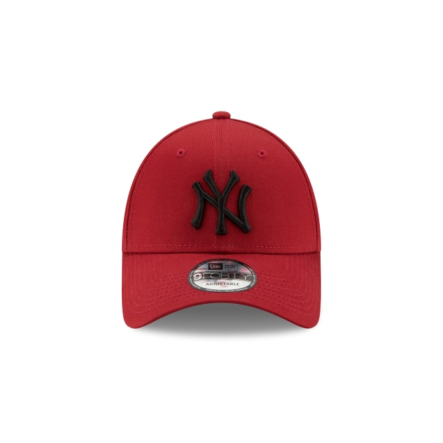 New York Yankees League Essential  9forty Strapback | New York Yankees Caps | New Era Cap