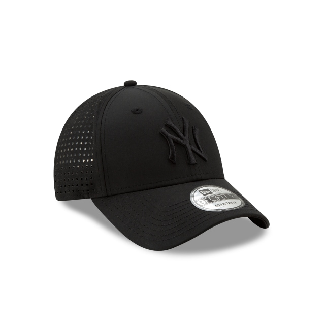 New York Yankees Feather Perf  9forty Strapback | New York Yankees Caps | New Era Cap