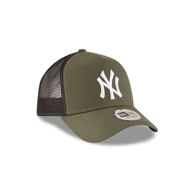 New York Yankees League Essential  9forty Af Trucker Strapback | New York Yankees Caps | New Era Cap