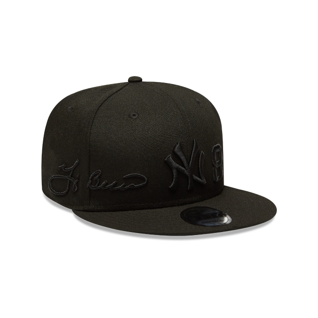 Gorra De New York Yankees Hall Of Fame Yogi Berra Black On Black 9fifty Snapback | New York Yankees Caps | New Era Cap