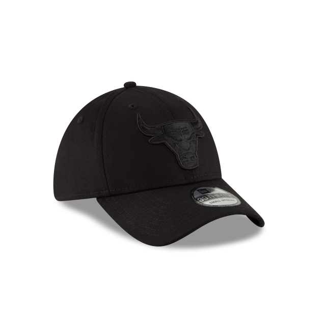 Chicago Bulls Black On Black  39thirty Elástica | Chicago Bulls Caps | New Era Cap